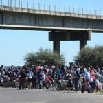 Bagayeros amenazan cortar pasos de frontera con Argentina por tiempo indeterminado