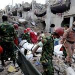 Balance del derrumbe de Bangladesh llega a 740 muertos, sobrevivientes exigen indemnizaciones