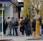 Argentinos se ingenian para conseguir dólares en Colonia