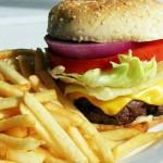 La comida es demasiado salada en EEUU, según la Universidad Northwestern (estudio)