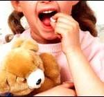 Autoridades indagan vínculo de diagnóstico infantil masivo y auge de laboratorios