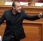 Expulsan a un diputado neonazi del pleno del Parlamento griego