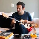 """Un uruguayo crea la """"Loog guitar"""", una guitarra para niños que se vuelve éxito mundial"""