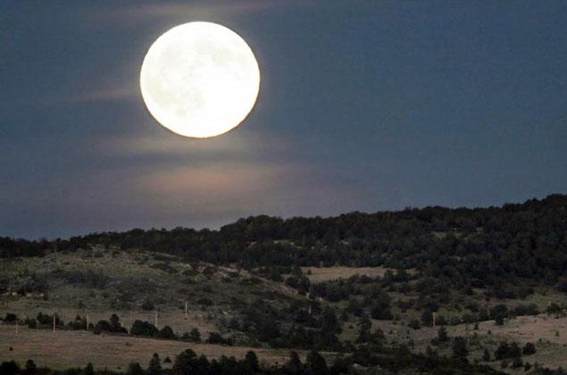 El espectaculo de esta noche Luna-llena_cerca-de-la-tierra_lr21-e1