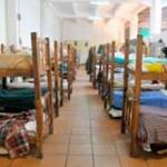 Refugios nocturnos sin convencer a decenas que pueden morir a la intemperie