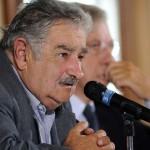 Mujica destaca ideario de Artigas al designar con su nombre ruta argentina