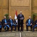 """Egipto: juez Adly Mansour jura como presidente para """"respetar la Constitución"""""""