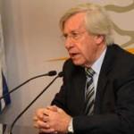Astori propone que fórmula del Frente Amplio esté integrada por Vázquez y una mujer