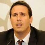 Proyecto del gobierno para no devolver excedentes al FONASA estará en agosto