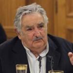 Mujica traspasa presidencia del MERCOSUR a venezolano Maduro
