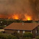 Voraz incendio en Arizona fuera de control tras la muerte de 19 bomberos