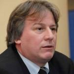Gobierno devolverá a trabajadores excedentes de sus aportes al FONASA