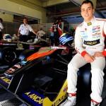 Gobierno rinde homenaje a joven piloto Santiago Urrutia