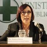Ministra de Salud cuestiona a médicos que se van a Brasil a ganar mil dólares más
