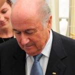 FIFA: Joseph Blatter admite 'influencias políticas' en elección de Catar para el Mundial 2022