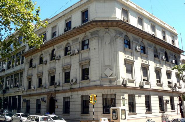 Interior entrega a presos gu a sobre sus derechos y for Ministerio del interior como llegar