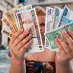 """""""Audacia"""": Cuba unifica sus dos monedas, en la reforma económica más ambiciosa de Raúl Castro"""