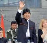 Presidente de Bolivia afirma que los pueblos son víctimas de los medios