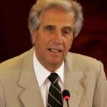 """Vázquez presenta su libro """"Crónica de un mal amigo"""" en Cuba"""