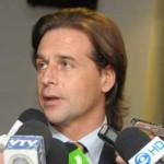 Lacalle Pou asegura que si es presidente suspende búsqueda de desaparecidos