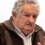 """Mujica: """"El capitalismo, esa cultura subliminal que se nos cuela y nos conduce a todos"""""""