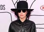 Lady Gaga lanza tercer álbum antes de posible show en el espacio
