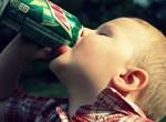 Consumo de cafeína y gaseosas limita el desarrollo cerebral en los niños