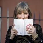 """Mujer: """"Cásate y sé sumisa"""", el libro catòlico escandaliza a la opinión pública española"""