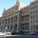 Grupo Clarín acata plazo para adecuarse a la Ley de Medios en Argentina