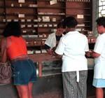 """""""No es fácil"""" conseguir todos los medicamentos en Cuba, pese al aumento de producción"""