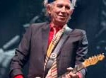 Alma mater de los Stones, Keith Richards sopla 70 velitas guitarra en mano