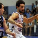 Basket: Por el torneo reclasificatorio ganaron Montevideo y Olimpia