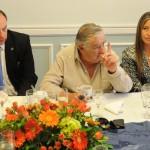 """Mujica cuestiona que la prensa lo trató """"poco menos de lambeta"""" por no confrontar con Argentina"""