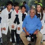 """Mujica adoptará a unos 40 """"gurises pobres"""" para enseñarle oficios rurales en su chacra"""