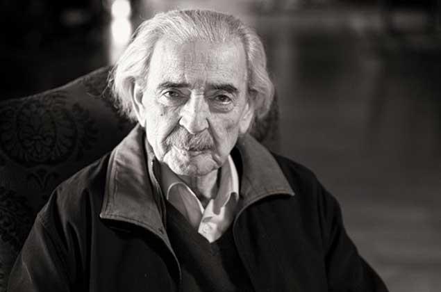 """""""...Escribo en el olvido, en cada fuego  de la noche cada rostro de ti...J.Gelman Juan-gelman-83-e"""