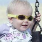 Las niñas albinas recibirán sus lentes este jueves