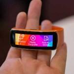 """Wearable"": Samsung presenta Gear Fit, primer pulsera inteligente con pantalla curva"
