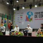 La era digital exige una escuela alternativa, plantea el Foro Mundial de la Educación