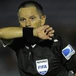 Peñarol y Defensor Sporting empataron 2 a 2 en un intenso partido por el Clausura