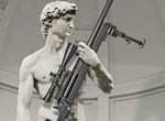 David de Miguel Ángel armado con rifle, provoca indignación en Italia