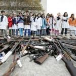 """El País de Madrid define a uruguayos como """"armados pero pacíficos"""""""