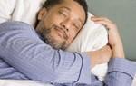 Dormir siete horas reduce en un 65% el riesgo cardiovascular si se lleva una vida saludable