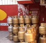 Trabajadores del supergás vuelven a repartir garrafas