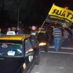 Paro general del transporte por asesinato de taxista en Colón