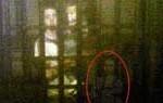 Fotografías de un fantasma persiguiendo pareja en museo son furor en la redes