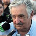 Mujica buscará amplio acuerdo político para reactivar ferrocarril con capitales chinos