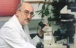 Lanzan #Apadriname en Twitter: científicos españoles buscan trabajo incluso doméstico