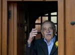 """García Márquez sale del hospital en México y su estado sigue """"delicado"""""""