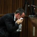 Pistorius pide perdón entre lágrimas por haber matado a su novia Reeva