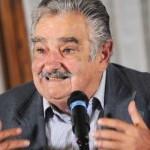 """Mujica criticó a quienes """"critica y no hacen ni dejan hacer"""" y alimentan el monopolio del narcotráfico"""